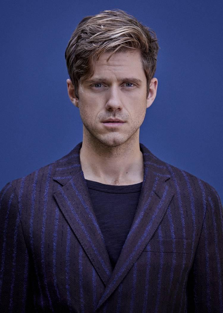 Aaron Tveit (Nathan Johnson)