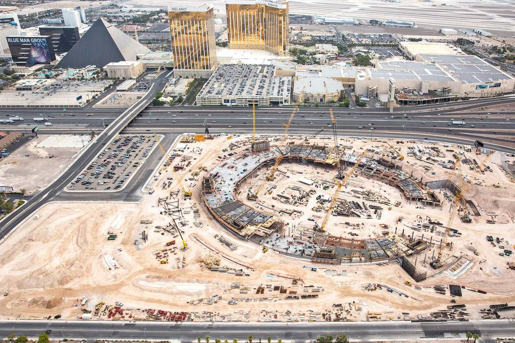 The site of the future Raiders stadium as seen on Aug. 22. (Benjamin Hager RJRealEstate.Vegas)