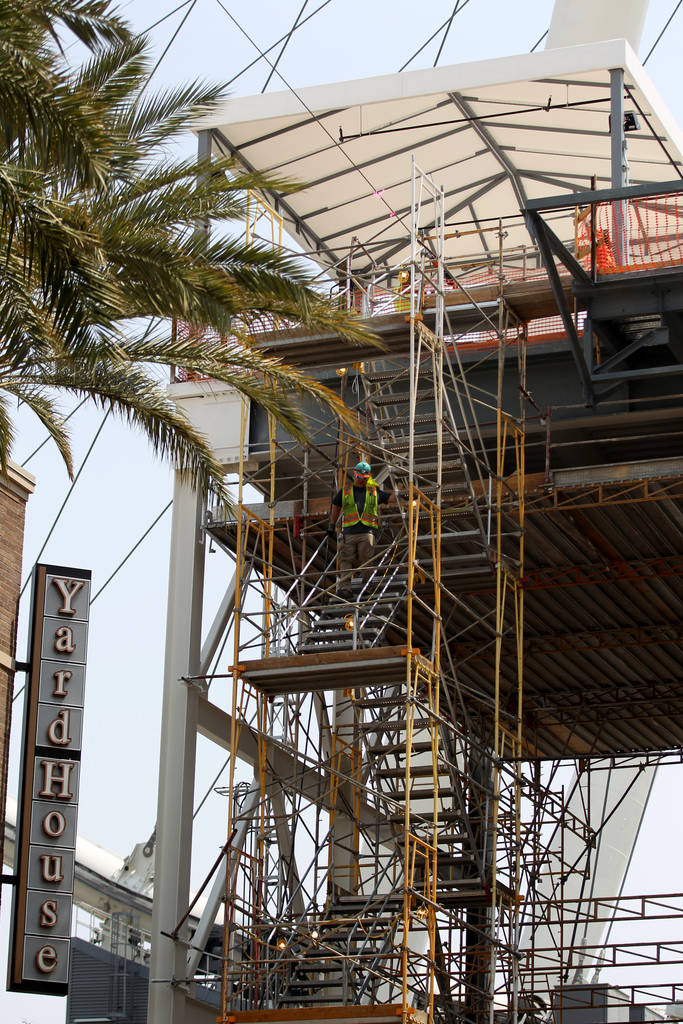 Work continues on the zip line above the Linq Promenade on the Strip in Las Vegas Friday, Aug. 10, 2018. K.M. Cannon Las Vegas Review-Journal @KMCannonPhoto