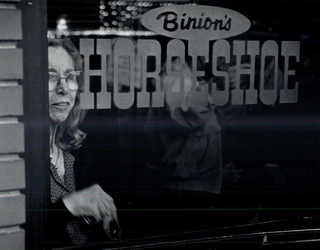 Teddy Jane Binion, Benny Binion's wife, watches Culinary picketers on Feb. 3, 1990. (Wayne Kodey/Las Vegas Review-Journal)