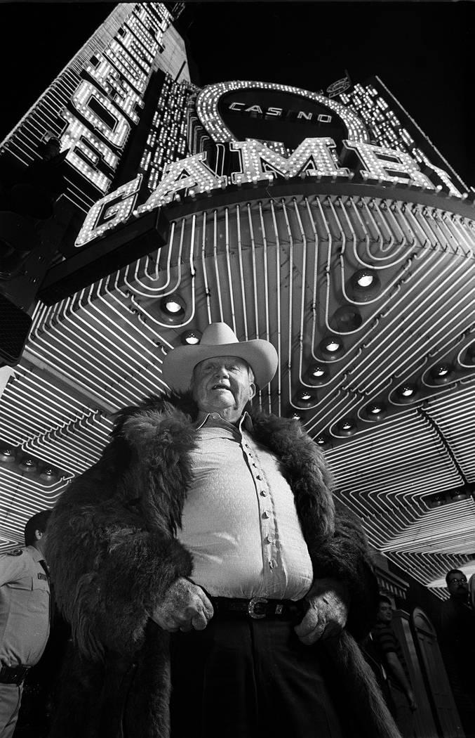 Benny Binion in buffalo fur coat November, 24, 1987.