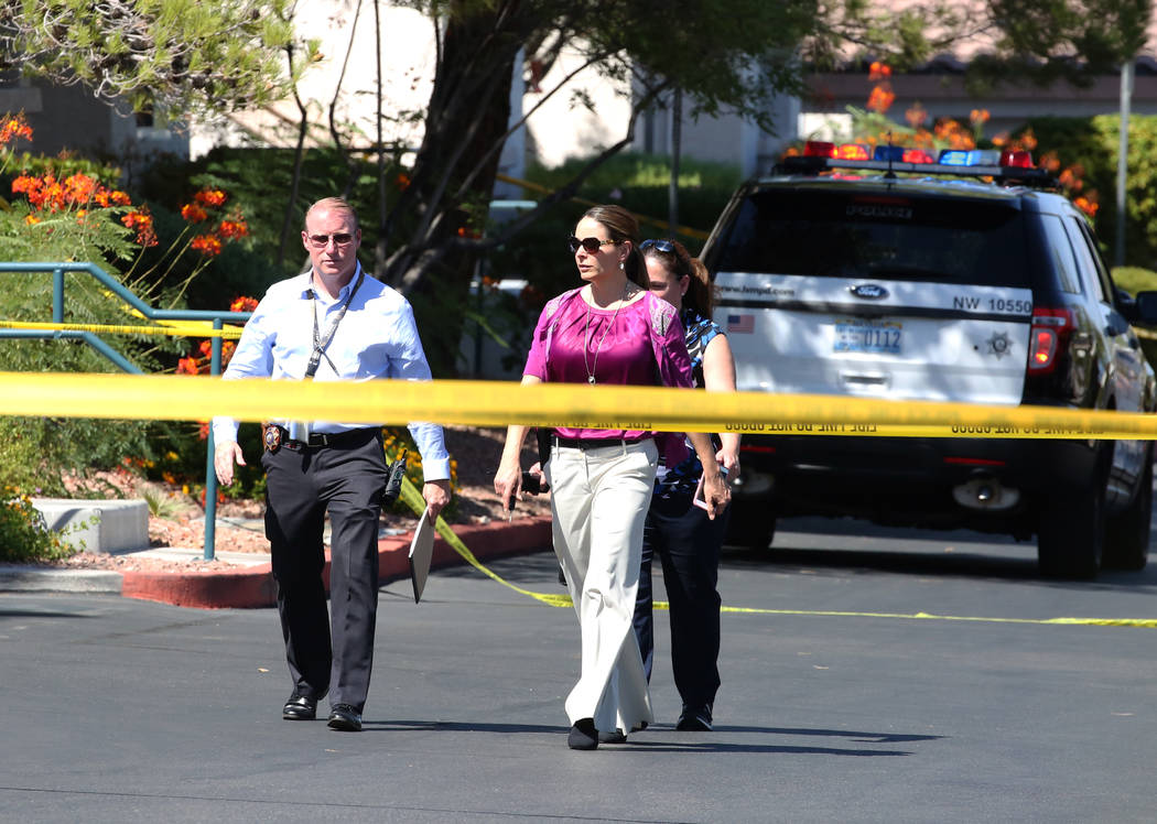 Las Vegas police are investigating a double homicide-suicide at Winchester apartment complex at the 2100 block Echo Bay St. on Monday, Sept. 10, 2018, in Las Vegas. (Bizuayehu Tesfaye/Las Vegas Re ...