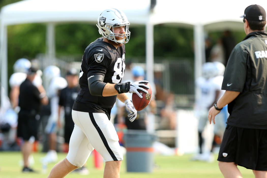 Oakland Raiders tight end Lee Smith (86) after catching the football at the team's NFL training camp in Napa, Calif., Tuesday, Aug. 7, 2018. Heidi Fang Las Vegas Review-Journal @HeidiFang