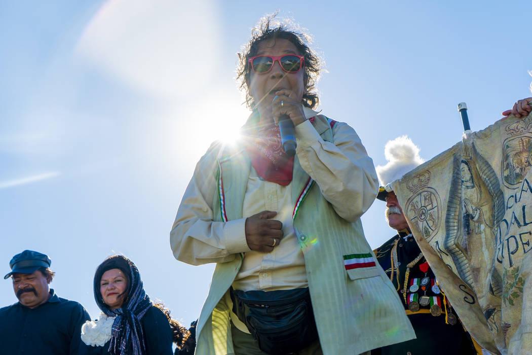"""Cecilia Cruz, """"La Independencía de Mexico"""" play director, speaks to the crowd at the El Tiempo Fiesta Las Vegas at Craig Ranch Regional Park in North Las Vegas, Saturday, Sept. 15, 2018.(Marcus V ..."""