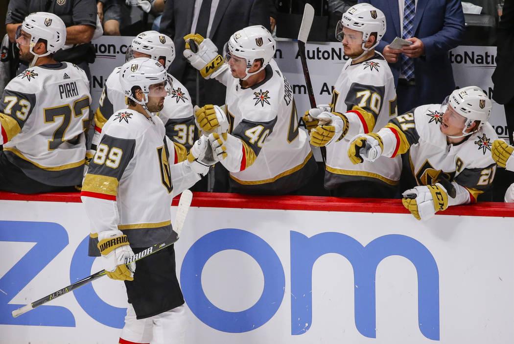 11122870_web1_golden-knights-avalanche-hockey-11