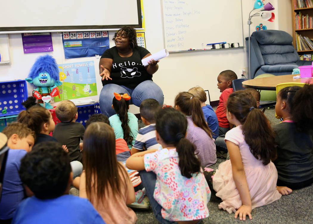 Angela Hillman teaches kindergarten students at Discovery Charter School on Friday, Sept. 14, 2018, in Las Vegas. (Bizuayehu Tesfaye/Las Vegas Review-Journal) @bizutesfaye