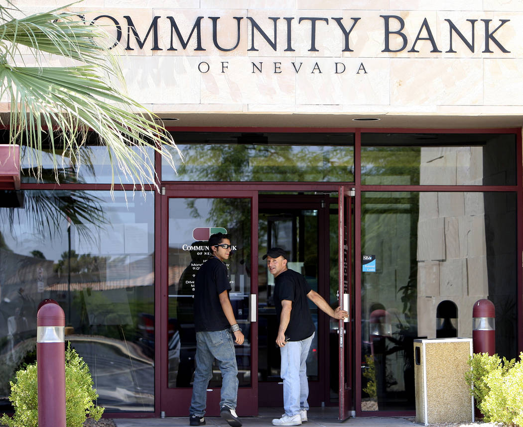 A Community Bank of Nevada branch on Maryland Parkway is shown on Monday, August 17, 2009, in Las Vegas. The Nevada Financial Institutions Division ordered the closure of the bank and started liqu ...