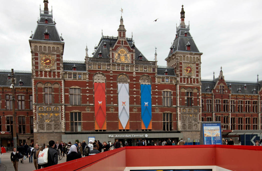 Central Station in Amsterdam, the Netherlands is seen in this April 24, 2013 file photo. (Cris Toala Olivares/Reuters)