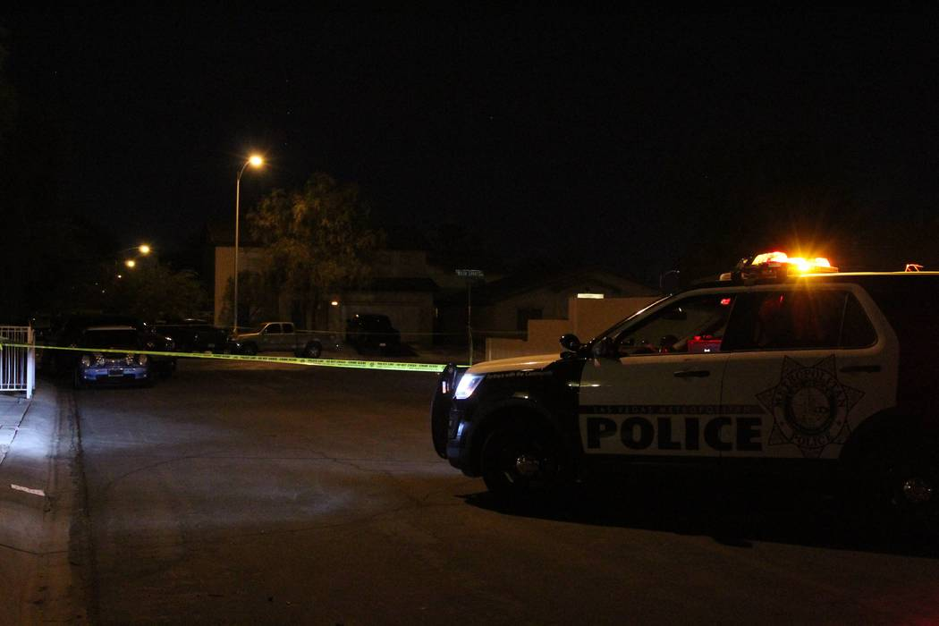Homicide detectives are investigating after a man was seriously injured in a northeast valley shooting Thursday, Sept. 20, 2018. (Max Michor/Las Vegas Review-Journal)