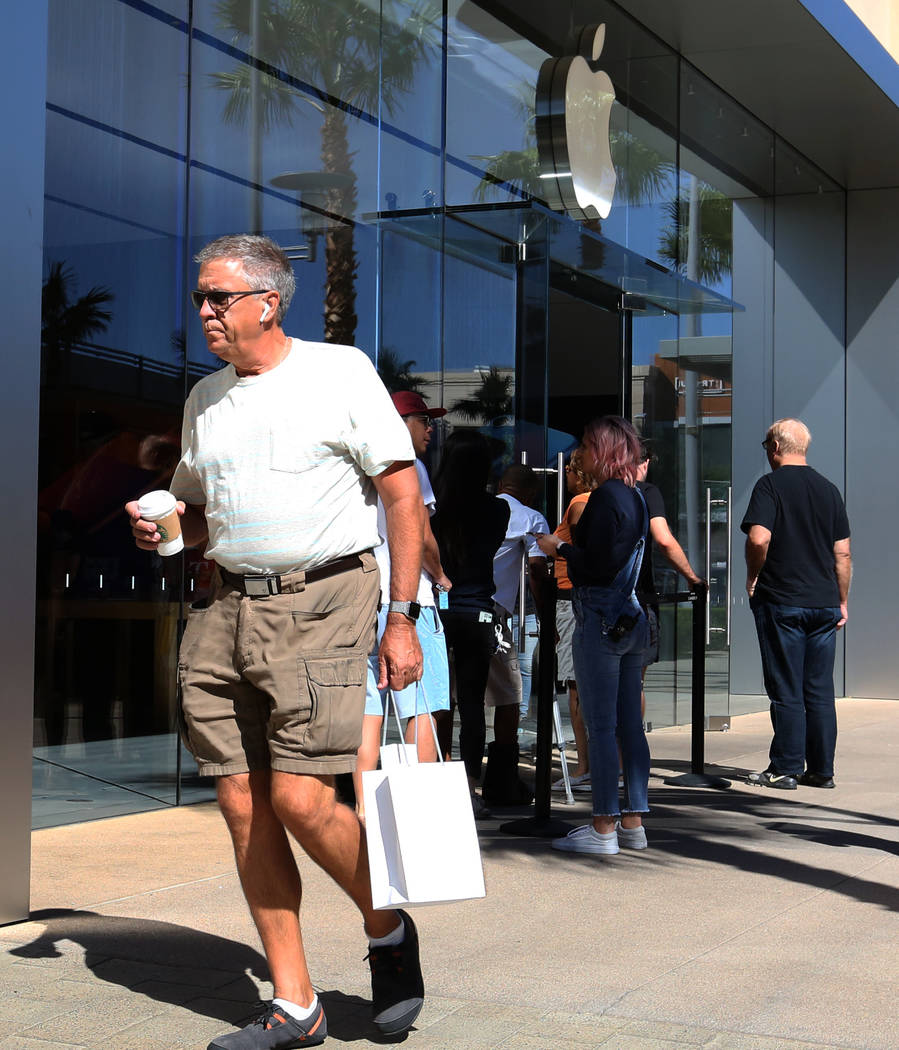 James Vakos leaves the Apple Store in Summerlin after buying his new iPhone XS on Friday, Sept. 21, 2018. (Bizuayehu Tesfaye/Las Vegas Review-Journal) @bizutesfaye
