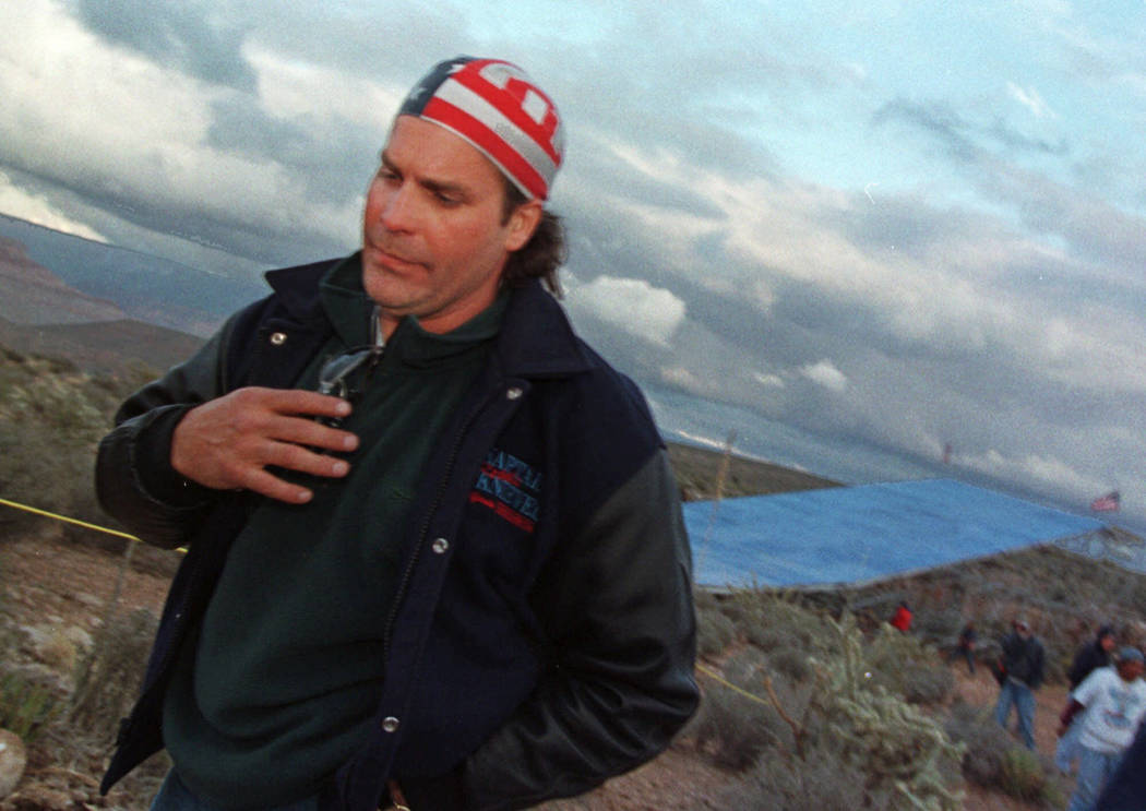 Robbie Knievel leaves his jump sight on the Hualapai Reservation in Ariz., after deciding not to make the Grand Canyon Death Jump due to high winds and cold weather, April 29, 1999. (Laura Rauch/A ...