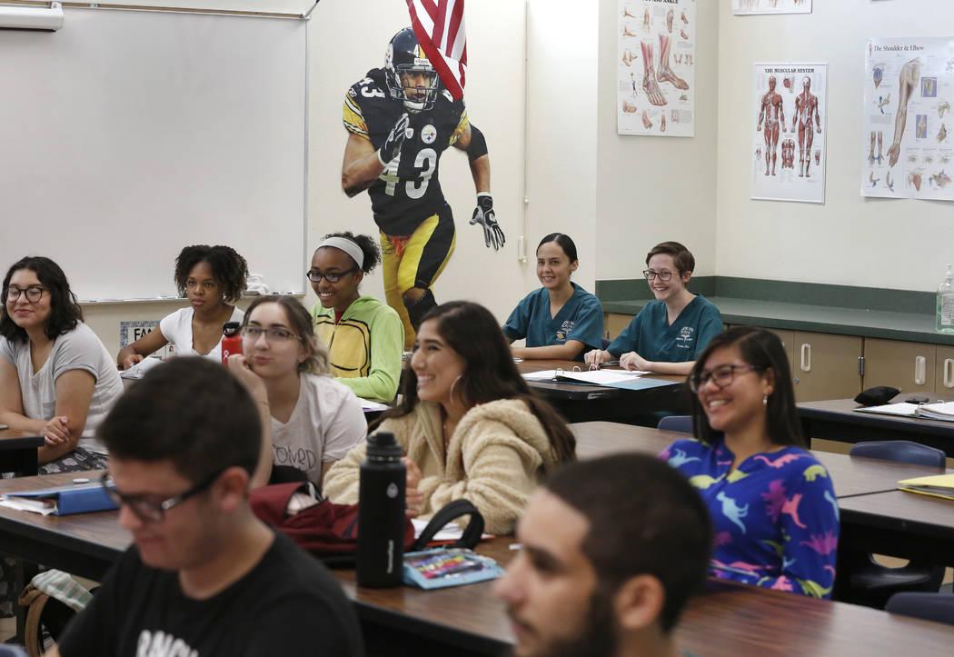 Rancho High School freshmen attend Spots Medicine class on Monday, Sept. 24, 2018, in Las Vegas. (Bizuayehu Tesfaye/Las Vegas Review-Journal) @bizutesfaye