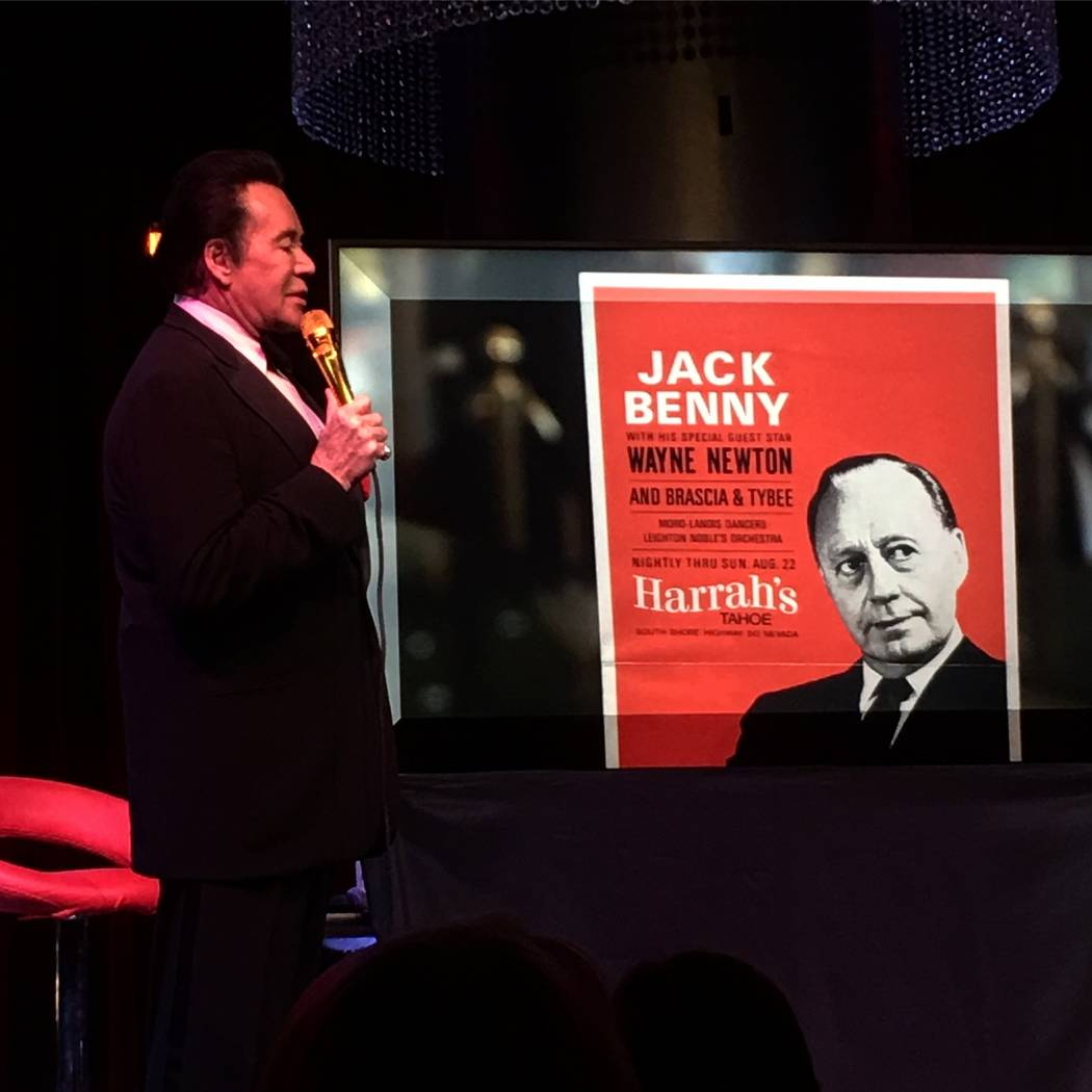 "Wayne Newton talks of his days opening for Jack Benny at Harrah's Lake Tahoe during a performance of ""Up Close & Personal"" at Windows Showroom at Bally's. (John Katsilometes/Review-Journal)"