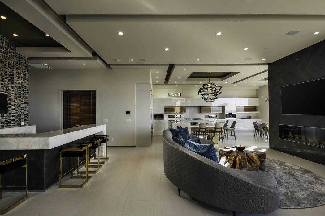 Las Vegas Draws International Luxury Homebuyers Las Vegas Review Journal