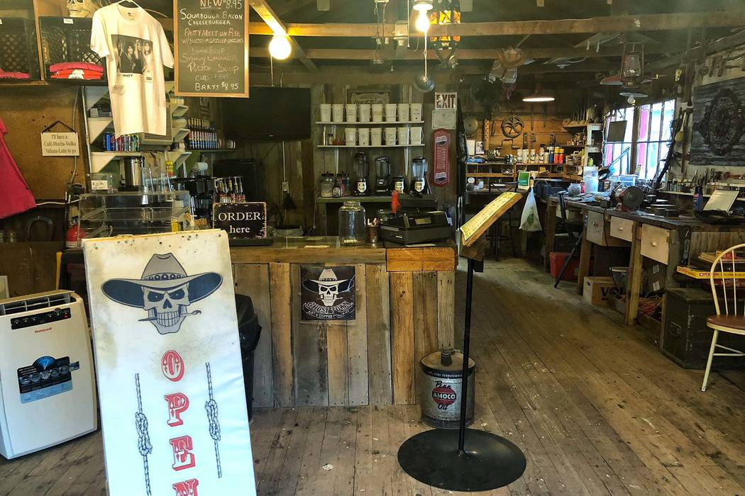 Ghost Town Art & Coffee in Pioche serves burgers, coke and coffee. (Todd Prince/Las Vegas Review-Journal)