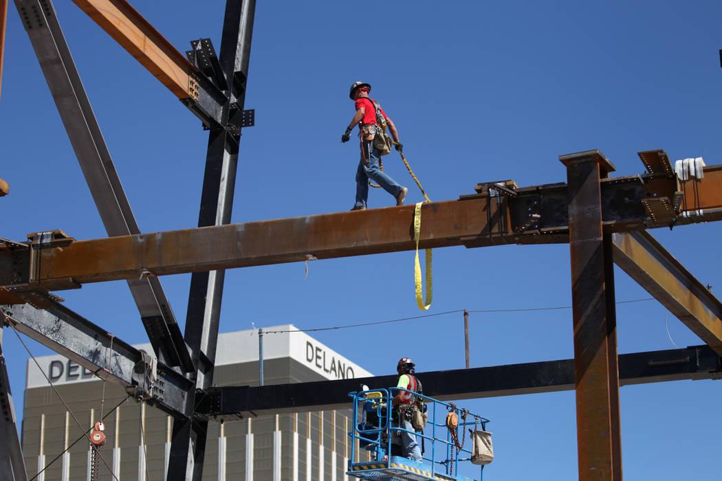 The construction site of the future Raiders stadium in Las Vegas, Thursday, Sept. 27, 2018. Erik Verduzco Las Vegas Review-Journal @Erik_Verduzco