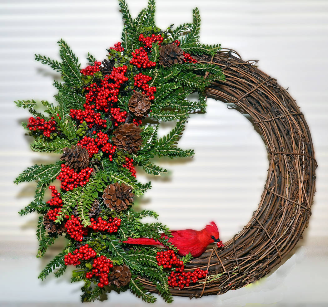 Holiday wreath at the Children's Service Guild's annual Holiday Boutique & Craft Fair. (Elise Rigatuso)