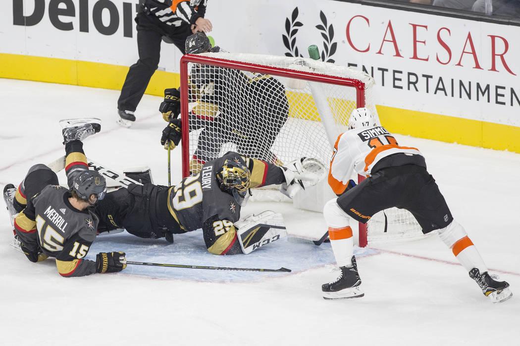 philadelphia flyers right wing wayne simmonds 17 scores on golden knights goaltender marc