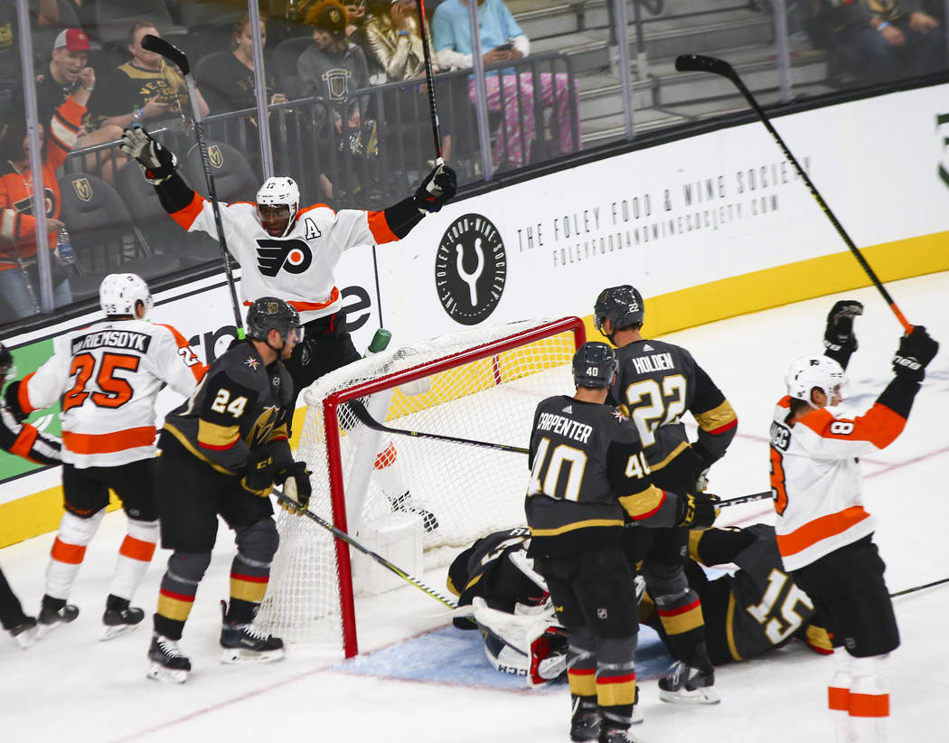 Philadelphia Flyers right wing Wayne Simmonds (17) celebrates a goal against the Golden Knights during the first period of a season-opening game at T-Mobile Arena in Las Vegas on Thursday, Oct. 4, ...