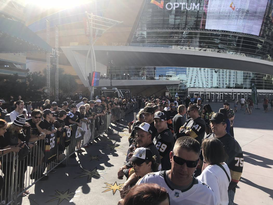 Hundreds of Golden Knights fans line up early on the Gold Carpet at T-Mobile Arena on Thursday, Oct. 4, 2018. (John Katsilometes/Las Vegas Review-Journal) @JohnnyKats