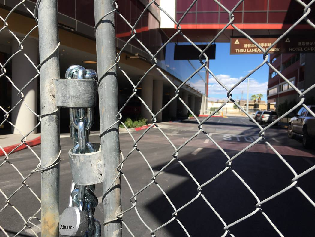 The main entrance to the shuttered Lucky Dragon hotel-casino, at 300 W. Sahara Ave. in Las Vegas, is seen Friday, Oct. 5, 2018. (Eli Segall/Las Vegas Review-Journal)