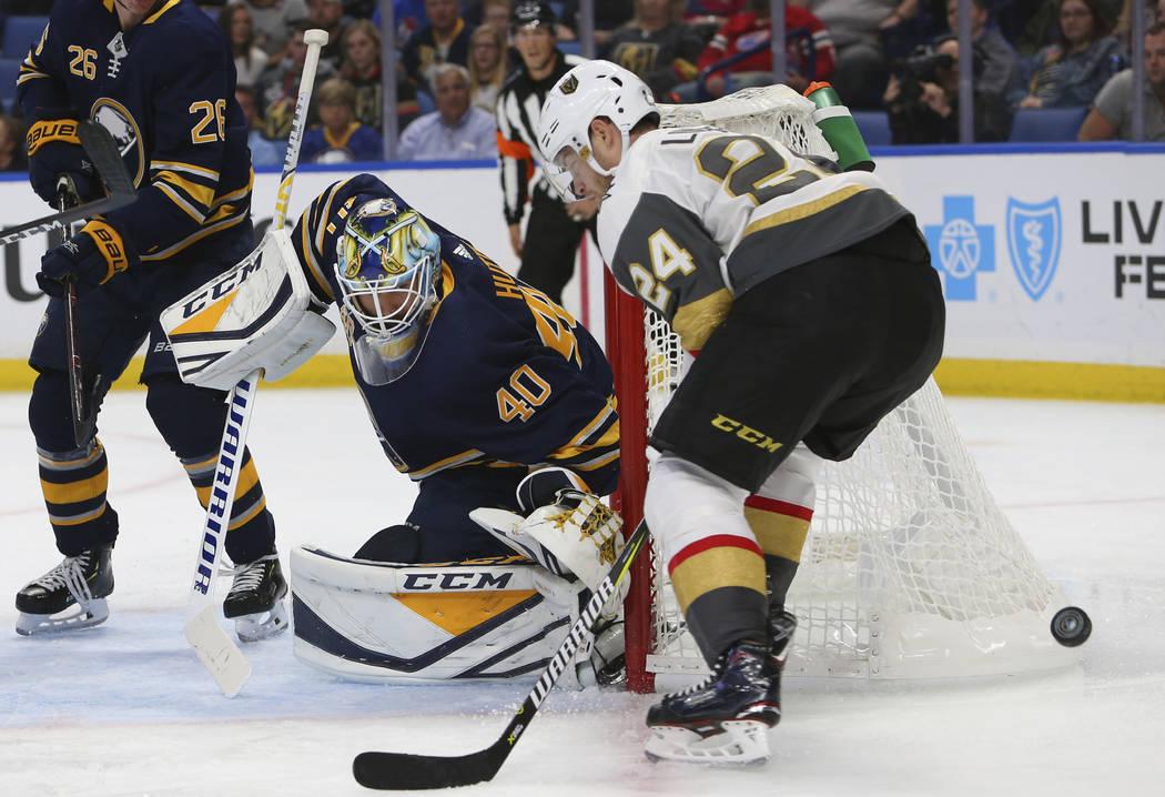 11221106_web1_golden-knights-sabres-hockey
