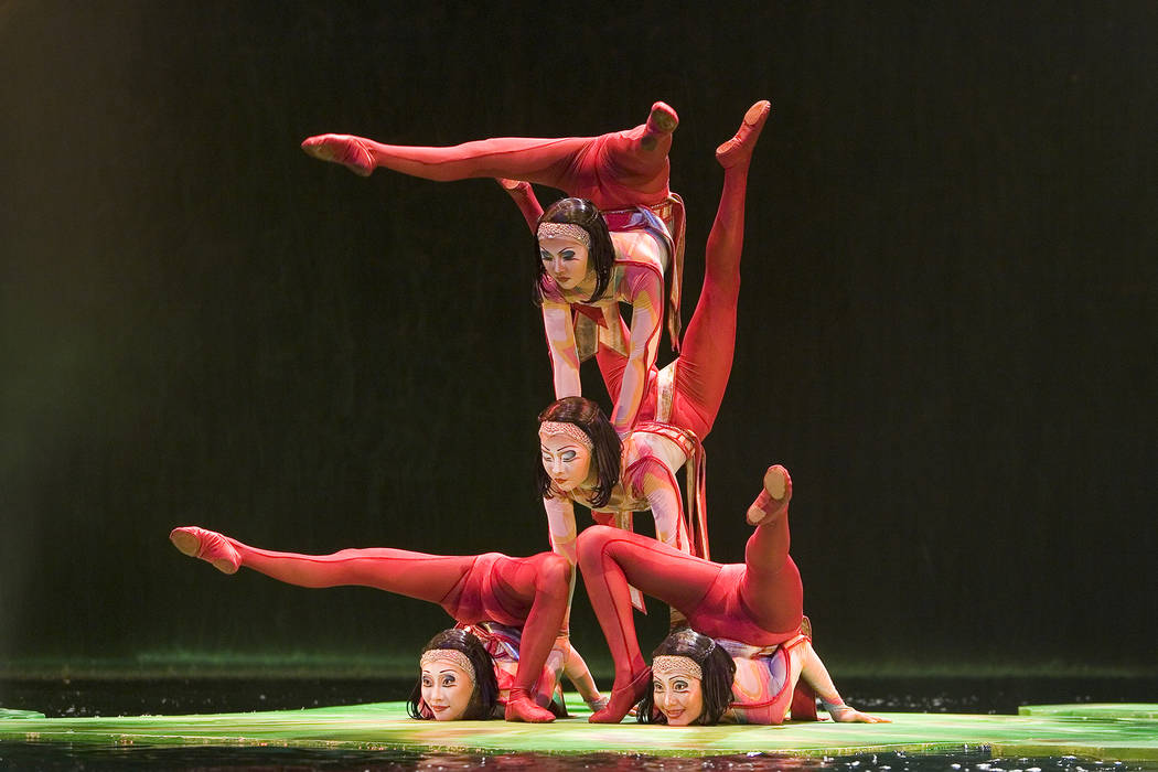 "Two decades after its debut, people are still clamoring to see ""O."" (Cirque du Soleil)"