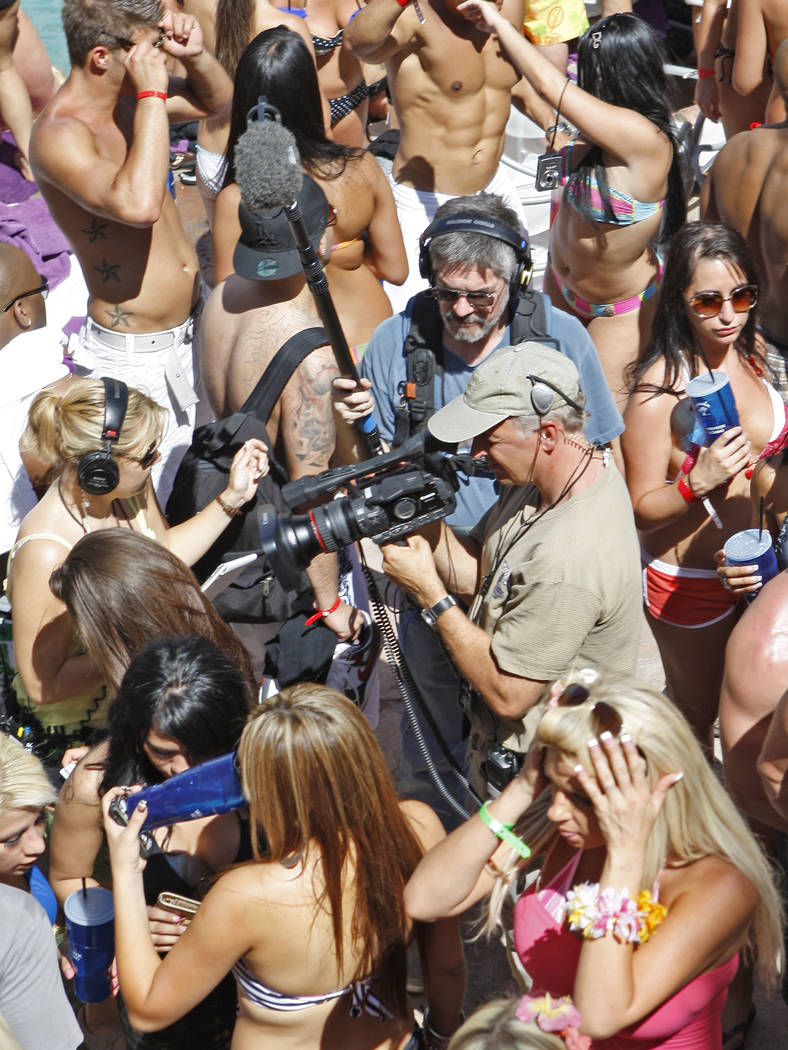 RJ FILE*** DUANE PROKOP/LAS VEGAS REVIEW-JOURNAL A film crew shoots the crowd during the Rehab - Sundays pool party at Hard Rock hotel-casino on Sunday, May 24, 2009, in Las Vegas. Duane Proko ...