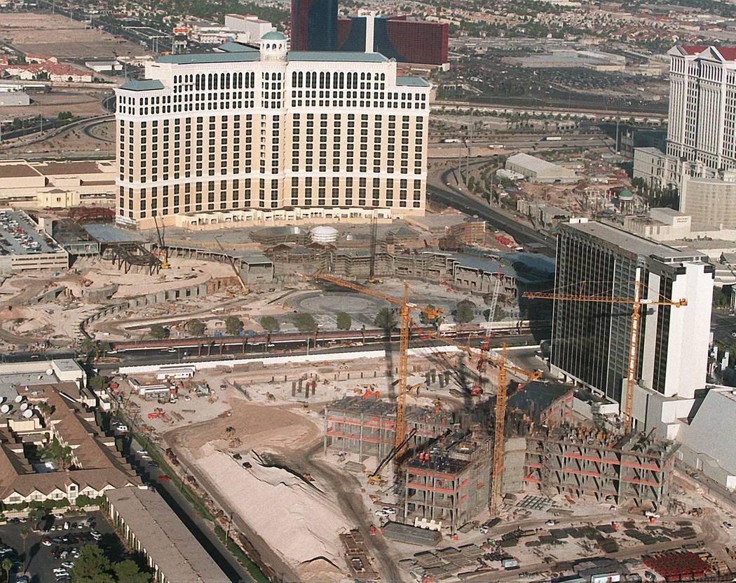 Bellagio and Paris Las Vegas construction in 1997. (Las Vegas Review-Journal)