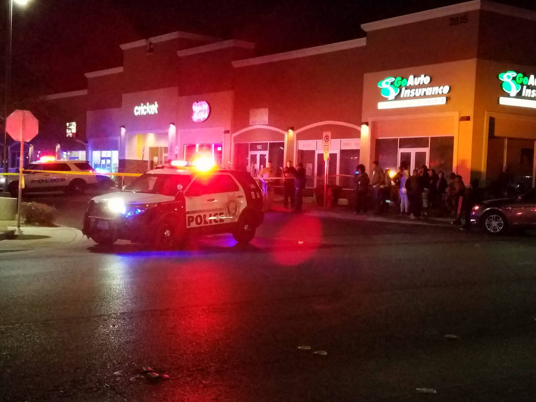 North Las Vegas police investigate a homicide Sunday night, Oct. 14, 2018, near West Lake Mead Boulevard and Simmons Street. (Mike Shoro/Las Vegas Review-Journal)