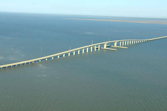 Dauphin Island Bridge in Mobile Bay / Alabama, United States (Getty Images)