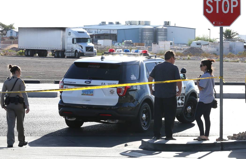 Las Vegas police are investigating an officer-involved shooting near South Rainbow Boulevard and Gary Avenue, near Blue Diamond Road, on Wednesday, Oct. 10, 2018, in Las Vegas. (Bizuayehu Tesfaye/ ...