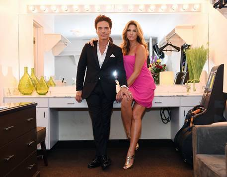 Richard Marx posed for photos backstage with wife, Daisy Fuentes, prior to taking the stage in the Donny & Marie Showroom at Flamingo on Aug. 15. (Joseph Sanders/Spiegelworld)