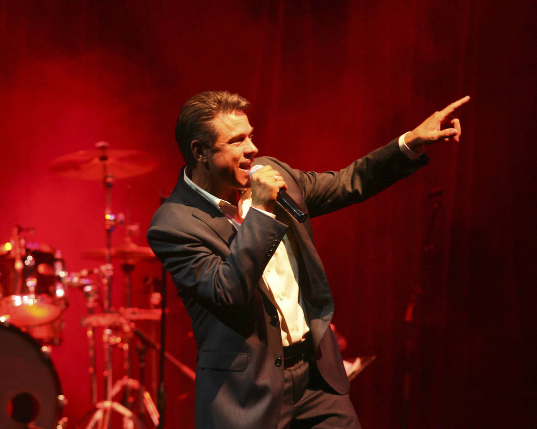 JIM MILLER/LAS VEGAS REVIEW-JOURNAL Crooner Mark O'Tool performs at the Ravello lounge located in the M Resort at 12300 Las Vegas Blvd. South.- September 17, 2011 Jim Miller JIM MILLER / RE ...