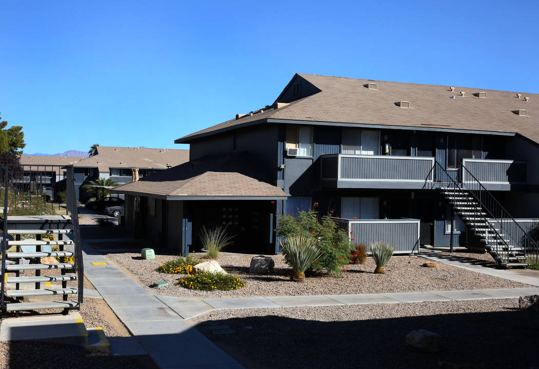 Cornerstone Crossing apartments at 6666 W. Washington Ave., photographed on Friday, Oct. 19, 2018, in Las Vegas. Bizuayehu Tesfaye/Las Vegas Review-Journal @bizutesfaye