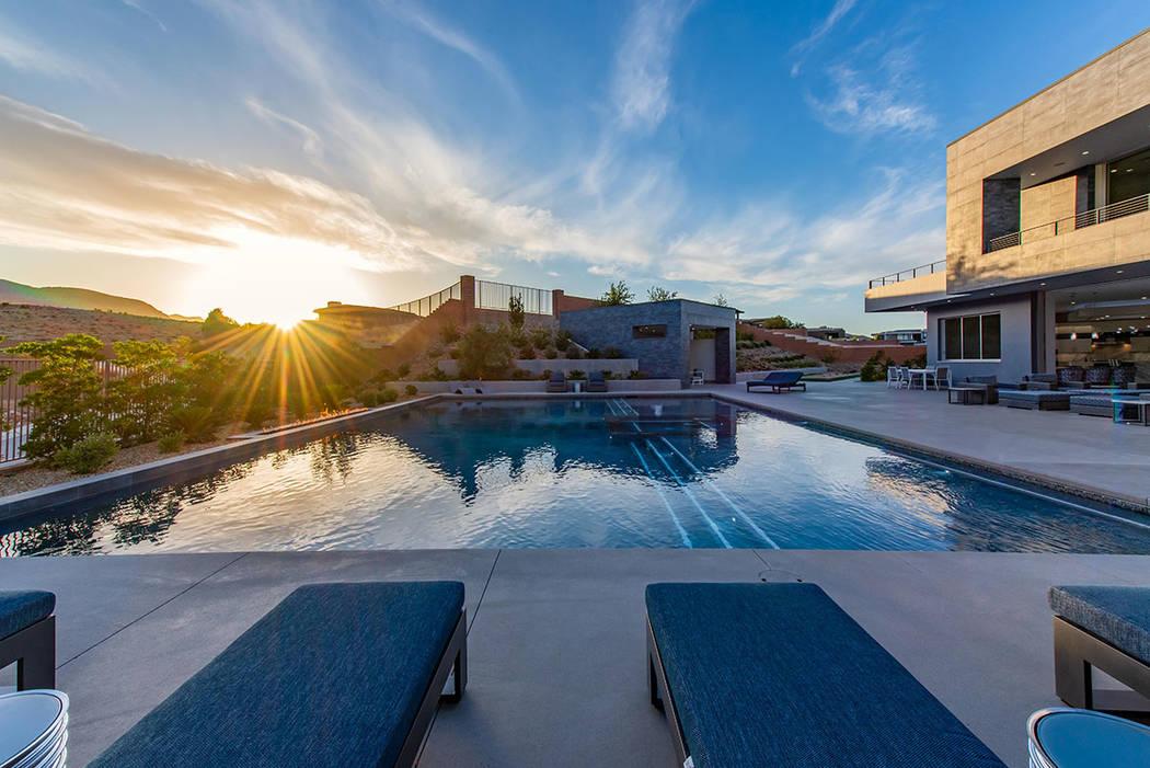 The pool at sunset. (Steve Morgan)