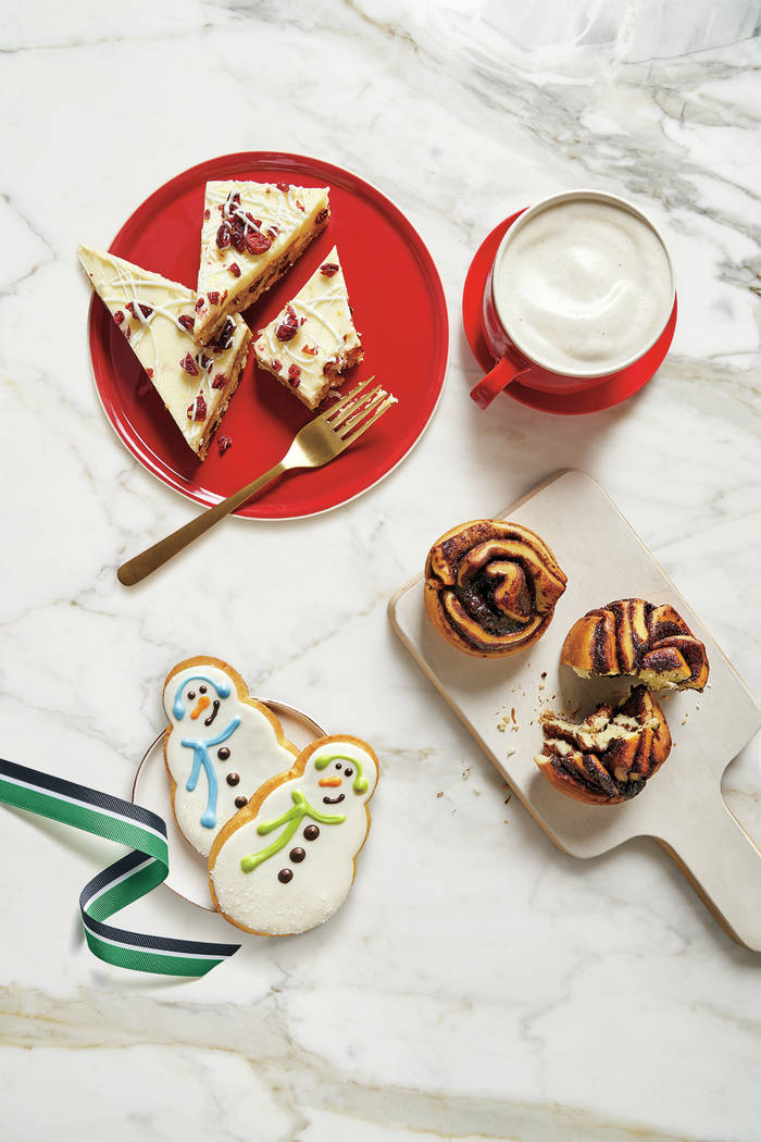 Get a free reusable holiday cup this week at Starbucks | Las