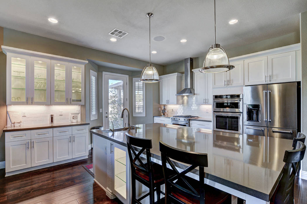 Las Vegas Remodel and Construction Kitchen cabinets can becustom-built, intricately styled and meticulously hand-finished or aluminum-clad, with a luxury price tag to match -- or they can be facto ...