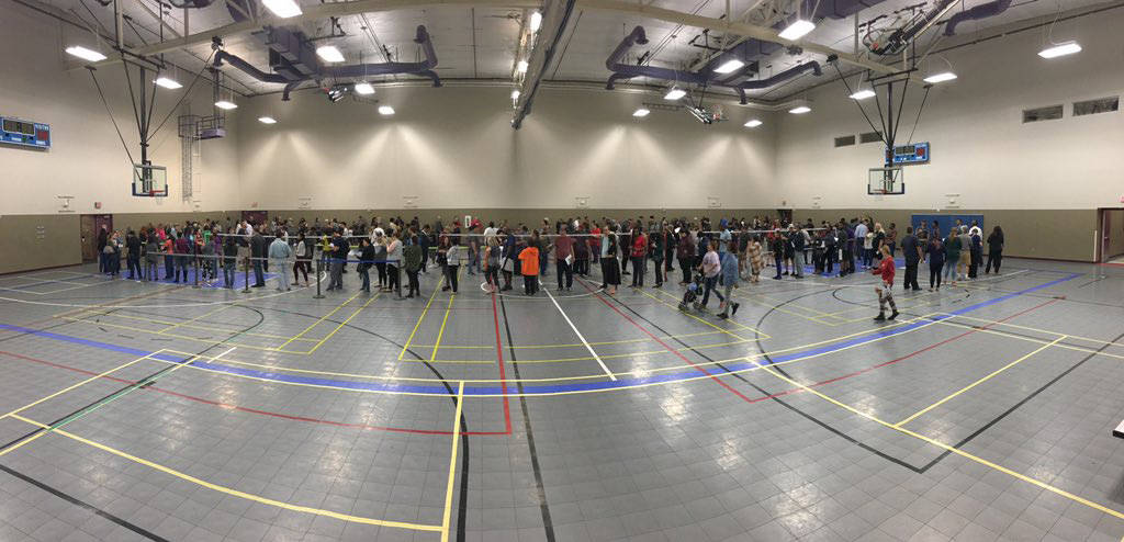 People wait in line during the final hours of early voting at the Desert Breeze Community Center in Las Vegas on November 2, 2018. (Michael Scott Davidson/Las Vegas Review-Journal)