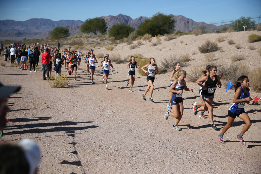 Runners compete during the NIAA 4A Girls Cross Country State Championship at the Veteran's Memorial Park in Boulder City, Saturday, Nov. 3, 2018. Erik Verduzco Las Vegas Review-Journal @Erik_Verduzco