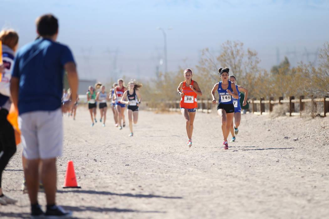 Runners compete during the NIAA 4A Girls Cross Country State Championship at the Veteran's Memorial Park in Boulder City, Saturday, Nov. 3, 2018. Erik Verduzco Las Vegas Review-Journal @Erik_Verduzco