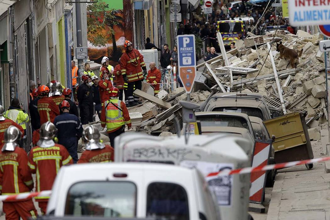 tragedy avoided when 2 buildings crumple in southern france las vegas review journal. Black Bedroom Furniture Sets. Home Design Ideas
