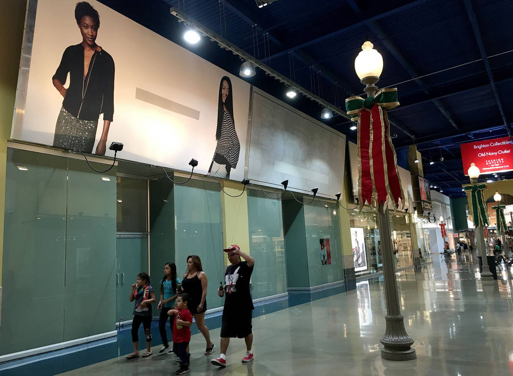 Shoppers walk through the Fashion Outlets of Las Vegas in Primm, Nev., Saturday, Nov. 3, 2018. Chitose Suzuki Las Vegas Review-Journal @chitosephoto