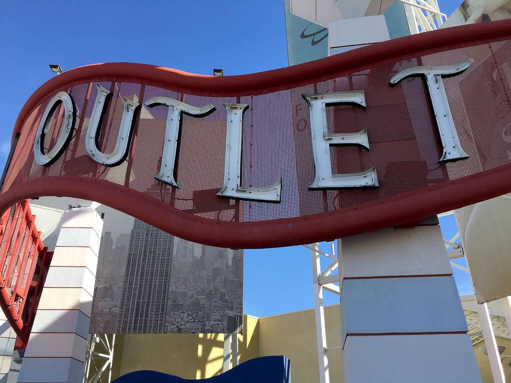 Fashion Outlets of Las Vegas in Primm, Nev., Saturday, Nov. 3, 2018. Chitose Suzuki Las Vegas Review-Journal @chitosephoto
