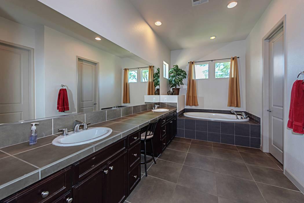 The master bath at 4039 Wild Eagle Circle. (TMI Realty)