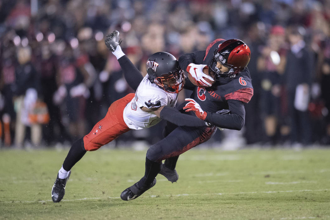 SAN DIEGO, CA - NOVEMBER 10: San Diego State Aztecs wide receiver Tim Wilson Jr. (6) catches a pass during a NCAA football game between the UNLV Rebels and the San Diego State Aztecs on November, ...