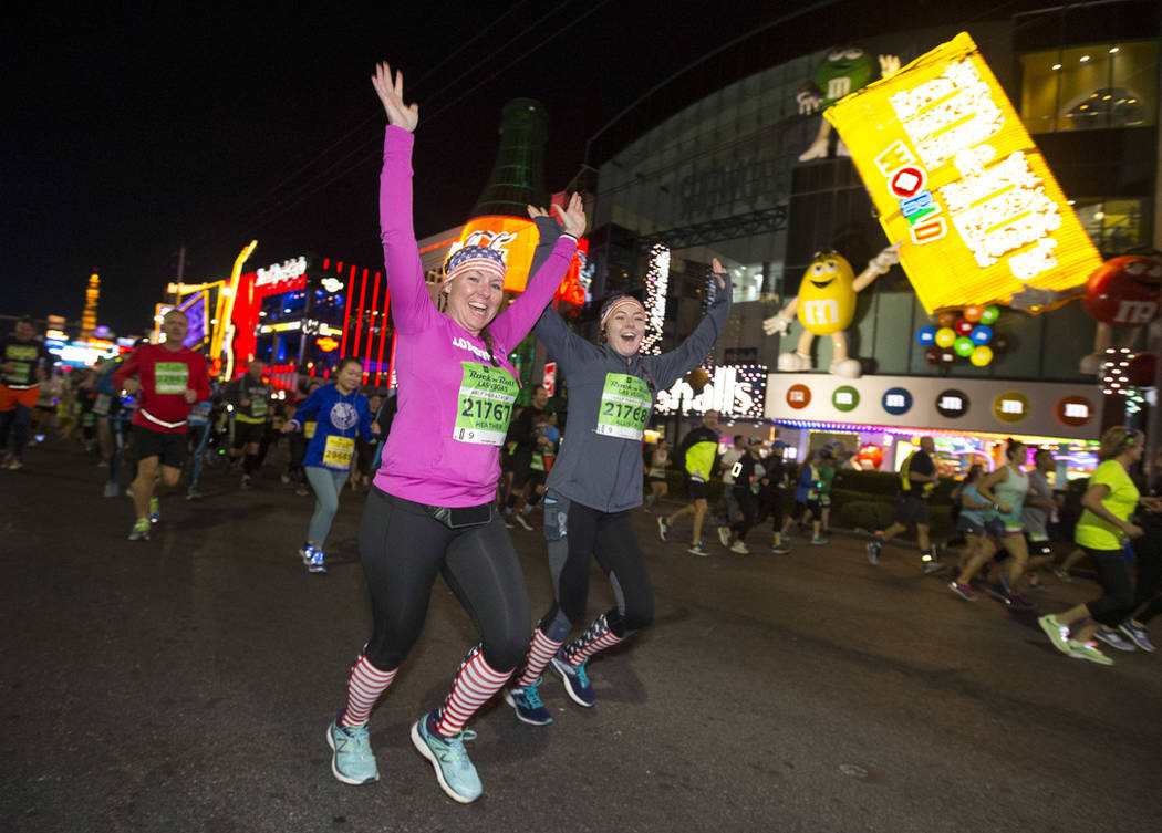 Runners participate in the 2018 Rock 'n' Roll Marathon on the Strip in Las Vegas on Sunday, Nov. 11, 2018. Richard Brian Las Vegas Review-Journal @vegasphotograph
