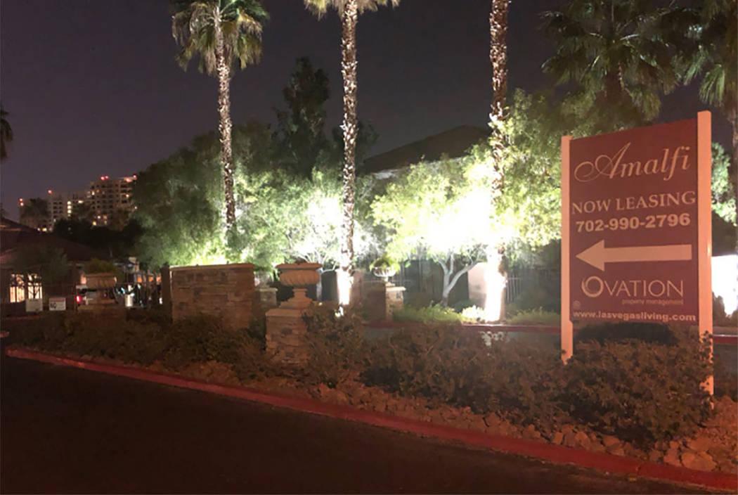 Las Vegas police investigate a fatal shooting in the 2700 block of West Wigwam Avenue on Saturday, Nov. 10, 2018. (Katelyn Newberg/Las Vegas Review-Journal)