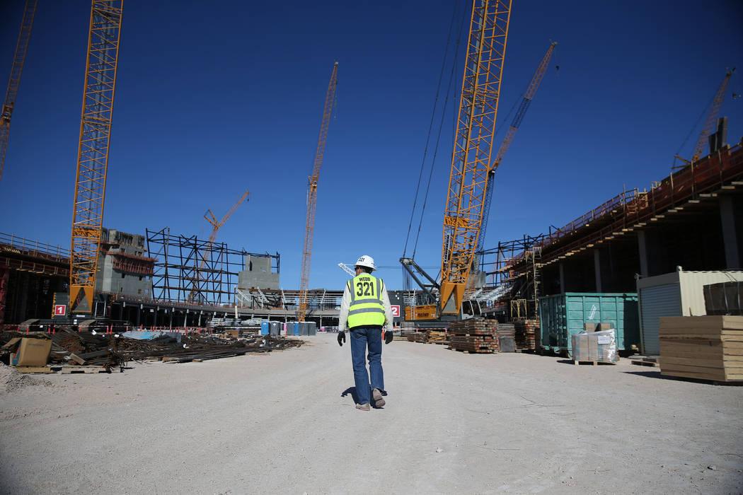 A quiet Raiders stadium construction site in Las Vegas as workers were off for the day in recognition of Veterans Day on Monday, Nov. 12, 2018. Erik Verduzco Las Vegas Review-Journal @Erik_Verduzco3