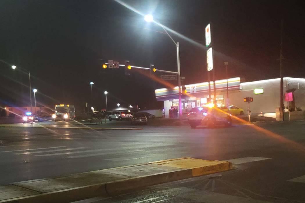 Homicide detectives investigate a fatal shooting Monday at 1101 E. Bonanza Road. (Brett Steidler/Las Vegas Review-Journal)